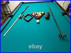 8' American Heritage Eclipse pool table, Playing surface dimensions 44 W x 8