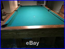 Brunswick Brighton model 4' x 8' With 1 slate Pool Table
