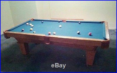 Brunswick Contender 8 Pool Table. 1 Slate, Tahoe Frisian Oak, Blue Felt