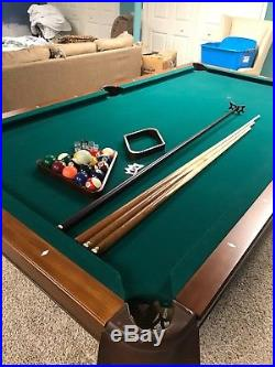 Brunswick Glen Oaks 8 Ft. Chestnut and Green Billiard Pool Table