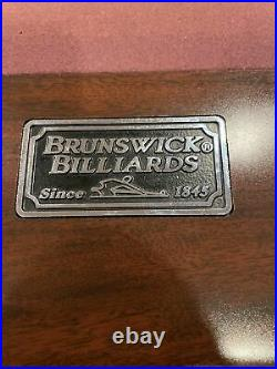 Brunswick Gold Crown III 9 foot pool table. 2 Spectator Chairs Included