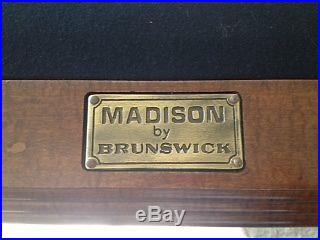 Brunswick Madison pool table, Pro 8' 46 x 92