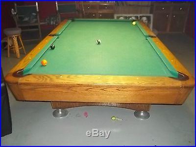 Diamond professional 9 foot pool table with Diamond light and Diamond chairs