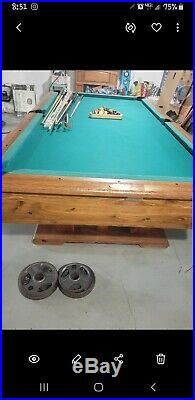 Pool table with Balls n Pool Sticks
