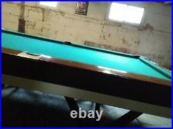 Vintage Brunswick Viscount 8 foot Pool Table